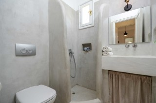 apartment diamantis studios bathroom