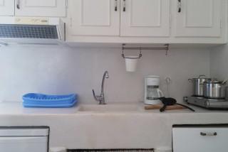 apartment diamantis studios kitchen
