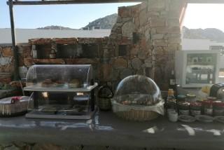 facilities diamantis studios breakfast